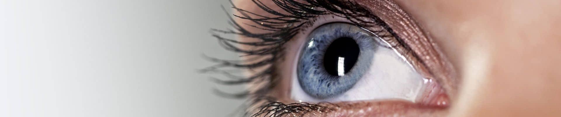 kitágult pupilla és látásélesség)