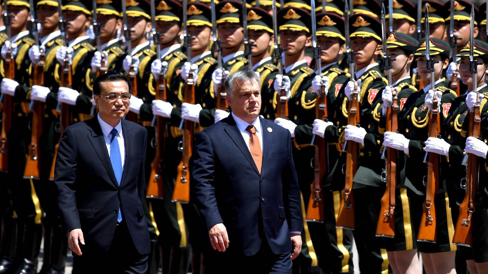 Világ: Hont: Isten hozza, Elnök Úr! | zonataxi.hu