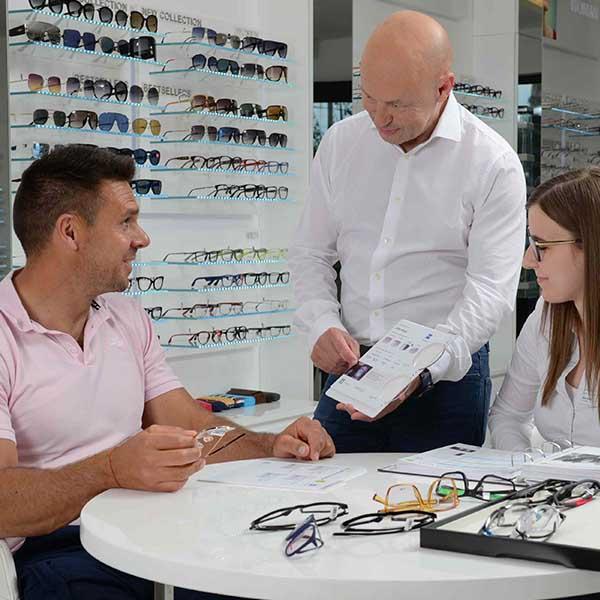 optikai asztal ellenőrzi a látást)
