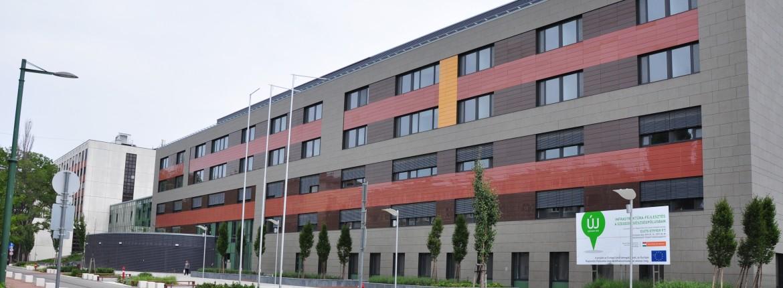 a város általános kórházának szemészeti központja 2