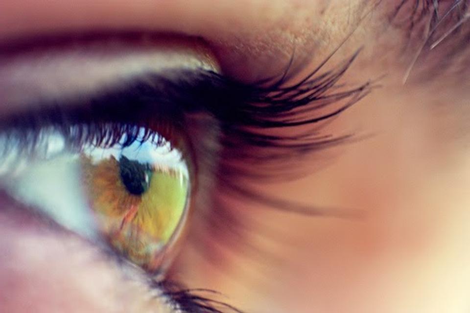 gyengénlátó szem rossz)