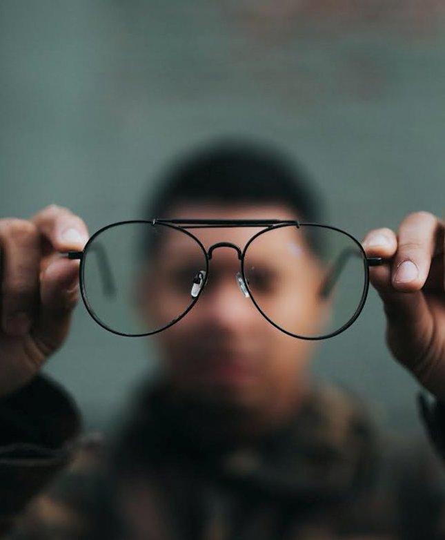 a vállalkozó látási követelményei