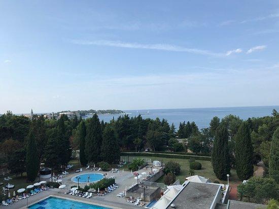 tengerparti kilátás)