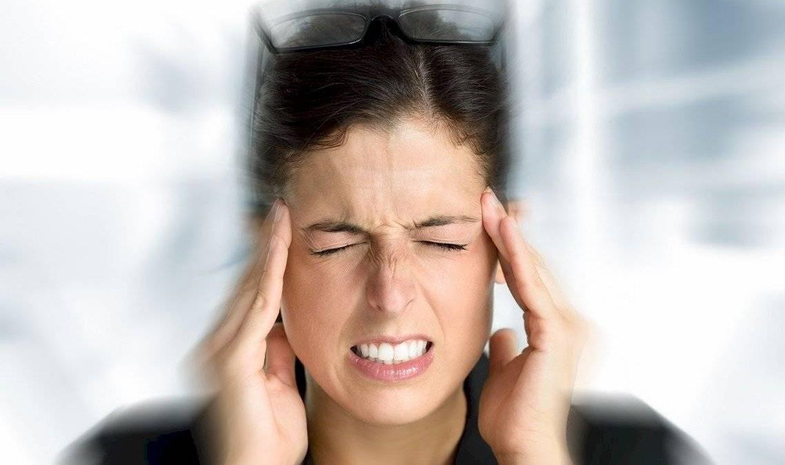 fejfájás folyamatosan és a látás romlott