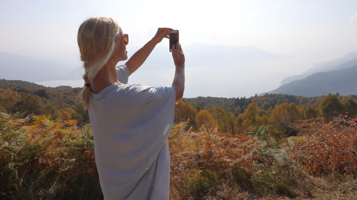 Elképesztő látvány: tornádó-szerű képződményt fotóztak a dunántúli városban - HelloVidék
