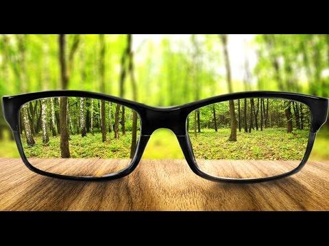 hyperopia és myopia különböző szemekben)