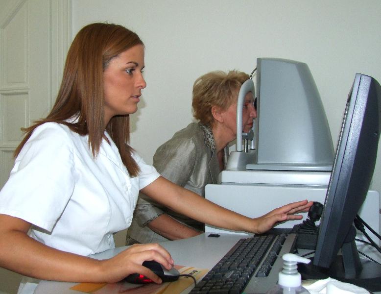 látásvesztés számítógépes munka miatt