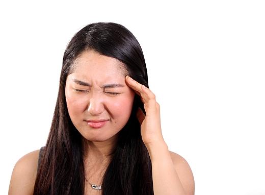 fejfájás rossz látás esetén)