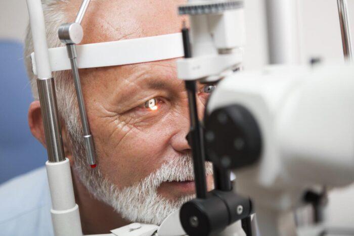 látásvizsgálati átverés rövidlátás jelent meg az egyik szemében