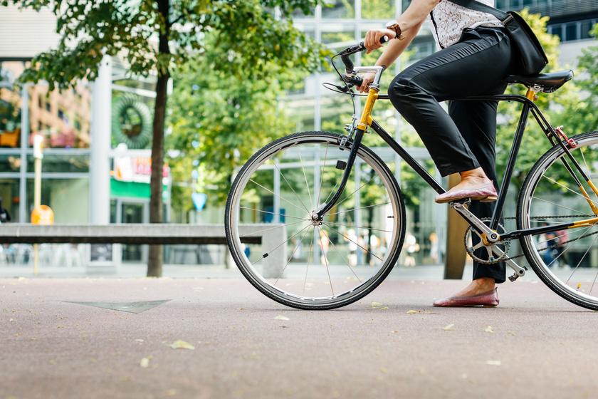 kerékpár javítja a látást)