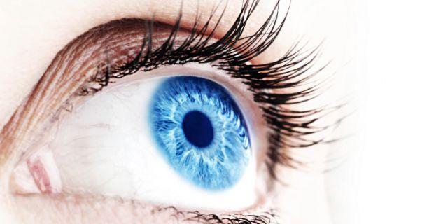 az egyik szem elveszett látása)