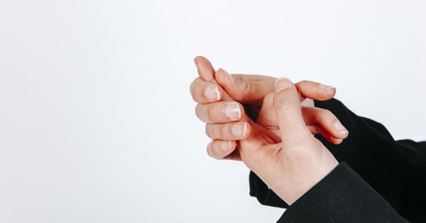 a látásromlott ujjak elzsibbadnak
