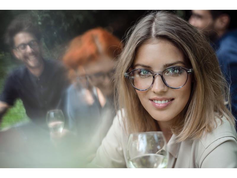 A szemüveg kiválasztásának jellemzői a látásjavításhoz