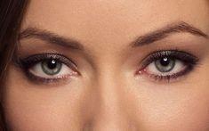 az egyik szem látása rosszabbá vált)