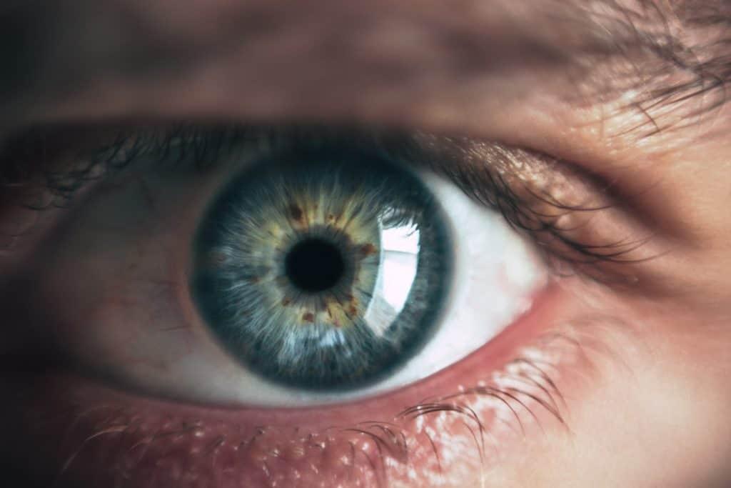 gyenge látással látható-e