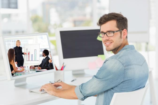 Több mint 6 órát töltesz naponta a monitor előtt? Ezért ne tedd!